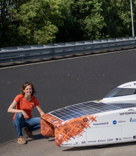 Delftse studenten maken furore met nieuwe energie: Solar boot en zonneauto rukken op