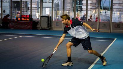 Nieuw wereldrecord: Maxime Braeckman speelt 40 tennismatchen op rij