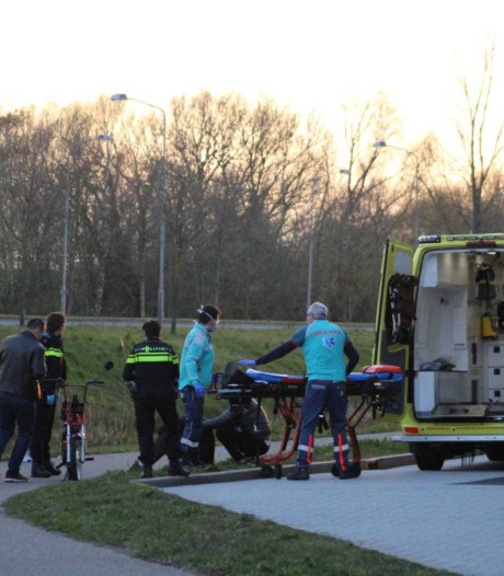 Man gewond door val met brommer in Nijkerk