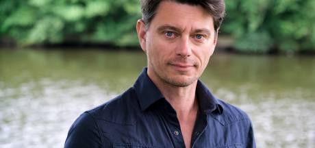 Acteur Klemens Patijn verkiest een grote achtertuin in Wijhe even boven het theater: 'Tuintheater is ideaal'