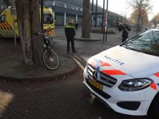 Fietsster gewond aan hoofd na valpartij bij gemeentehuis in Oss