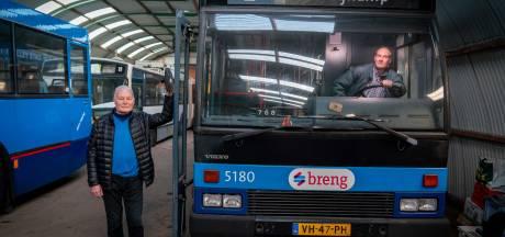 Arnhemse trolleyvrienden vrezen dat hun 'rollend erfgoed' op straat komt te staan
