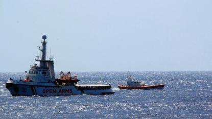 Vluchtelingen met psychologische problemen mogen reddingsschip voor Italiaanse kust verlaten