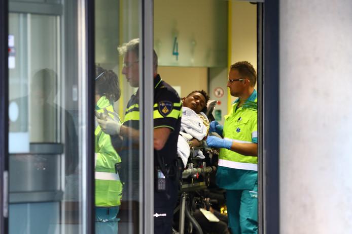 Een migrant moest worden opgenomen in het ziekenhuis.