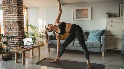 Last van lockdownstress? Deze online yogalessen helpen je ontspannen (ook als beginner!)