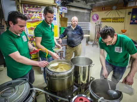 Drie Oud-Beijerlanders zetten traditie 'Opa Piet' voort