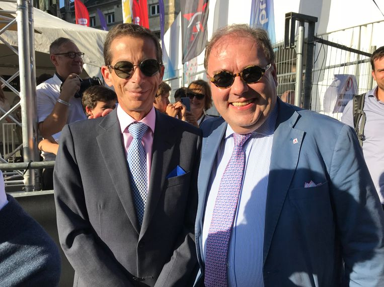 Burgemeester D'Haese (rechts) met de Colombiaanse ambassadeur.