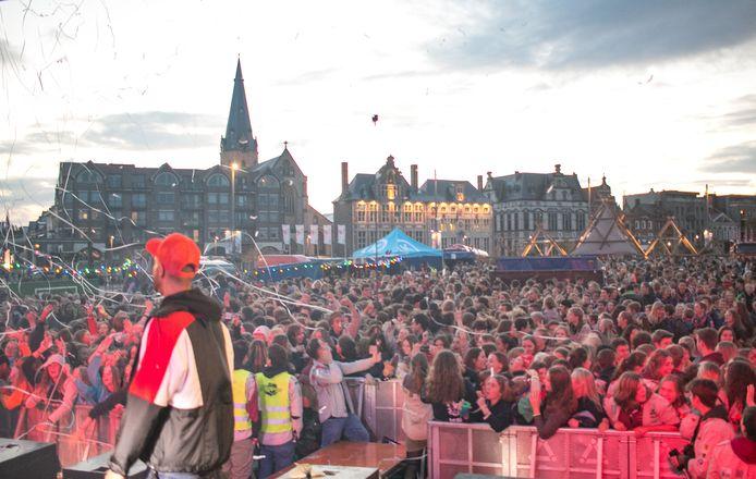 De Dag van de Jeugdbeweging in Sint-Niklaas, precies een jaar geleden. Deze vrijdag wordt het anders, met twintig uur lang 'Radio van de Jeugdbeweging'.