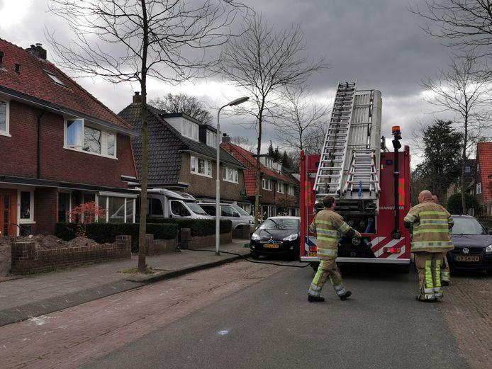 De brandweer ter plaatse op de Celsiusstraat.