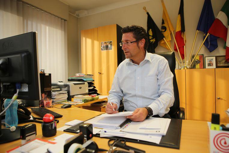 Burgemeester Jo Roggen betreurt de klacht.