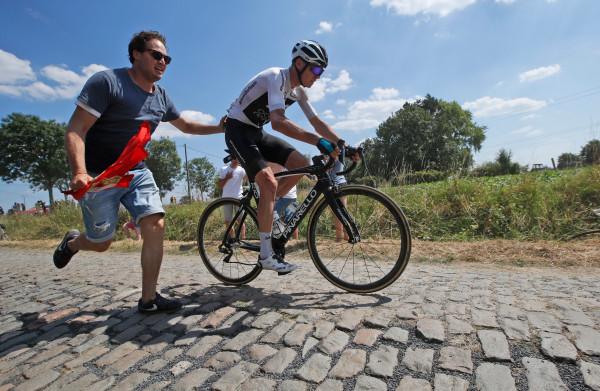 **Teruglezen - Degenkolb wint voor het eerst in zijn wielerloopbaan een etappe in de Tour**