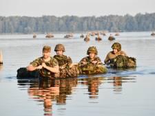 'Invasie' Hulshorst blijkt jaarlijks bootcamp voor stafleden landmacht