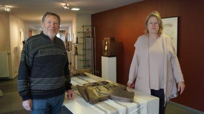 Galerie Carpe Diem strikt beeldhouwer Hubert Minnebo voor verjaardagsexpo