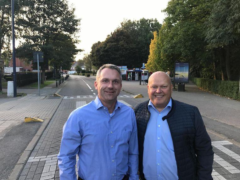 Denis Verbeeck (links) met naast hem Open Vld-voorzitter Luc Abrams.
