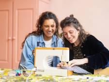 Haagse heldinnen maken gratis mondkapjes: 'Mensen worden weer creatief'
