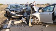 Zeven mensen gewond afgevoerd na frontale botsing