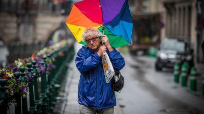 """Noodweer Benelux waarschuwt voor pittig herfstweer: """"Naast stevige windstoten stijgt ook de kans op winterse neerslag"""""""