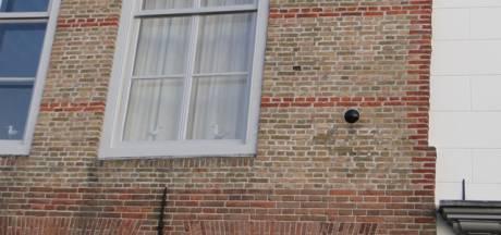 Kanonskogels in Veerse huizen herinneren aan 'Engelse verschrikkingen'