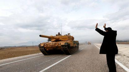 Turkse grondtroepen trekken Koerdische enclave Afrin in Syrië binnen: 8 burgerdoden
