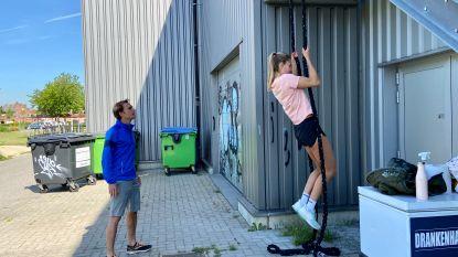 """Personal trainer start outdoor opnieuw op: """"Thuis kan je niet veel meer doen dan oefenen met gewichten"""""""