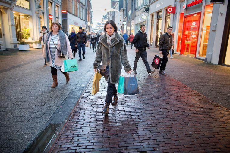 Een winkelstraat in Zwolle  Beeld Herman Engbers