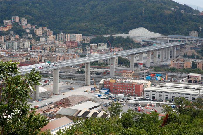 Uitzicht op de nieuwe brug.