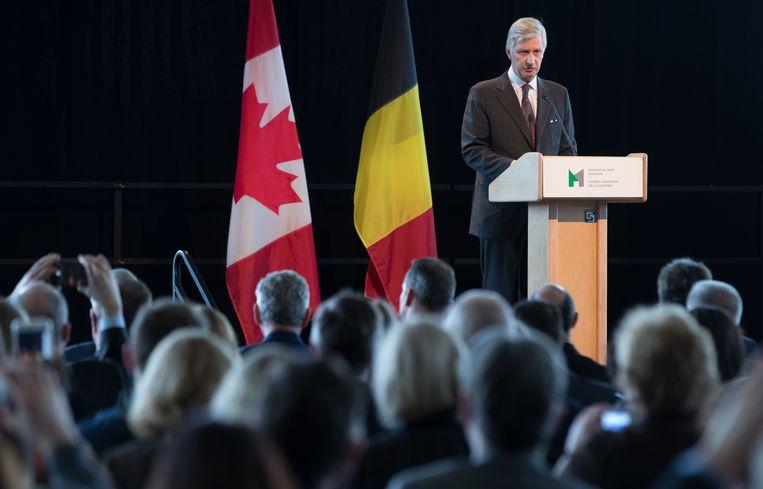 """""""In dit jaar waarin we de honderdste verjaardag van het einde van de Eerste Wereldoorlog herdenken, wens ik de dankbaarheid van België tegenover Canada uit te drukken"""", sprak de koning nadien het publiek toe, in een grote zaal te midden van allerlei groot oorlogstuig uit de Canadese oorlogsgeschiedenis."""