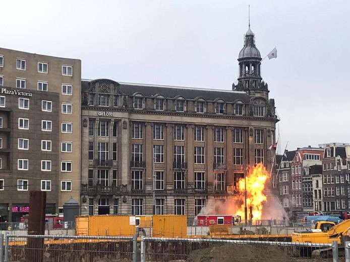 Vuur op de Prins Hendrikkade.