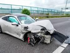 Man crasht met auto op A27