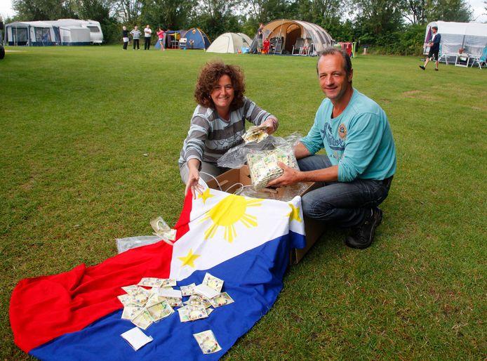 Ingrid en Charles Heiszler van Stichting Doe Iets, een paar jaar geleden.