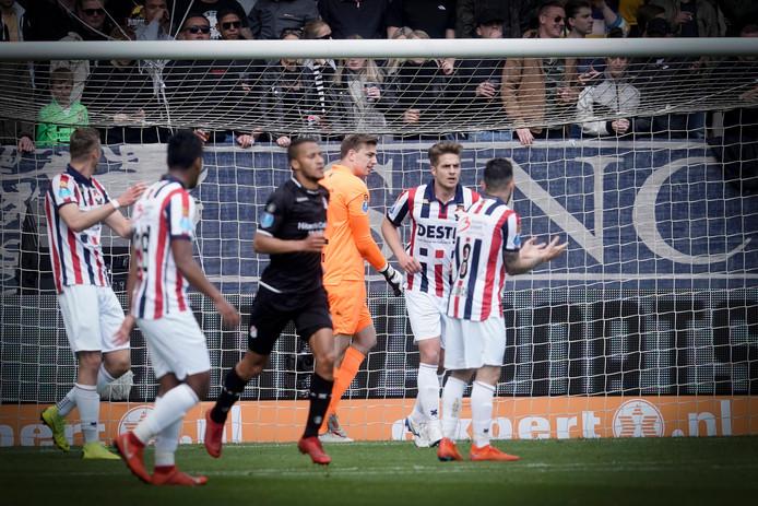 Willem II - FC Emmen eindigde vorig seizoen in 2-3.