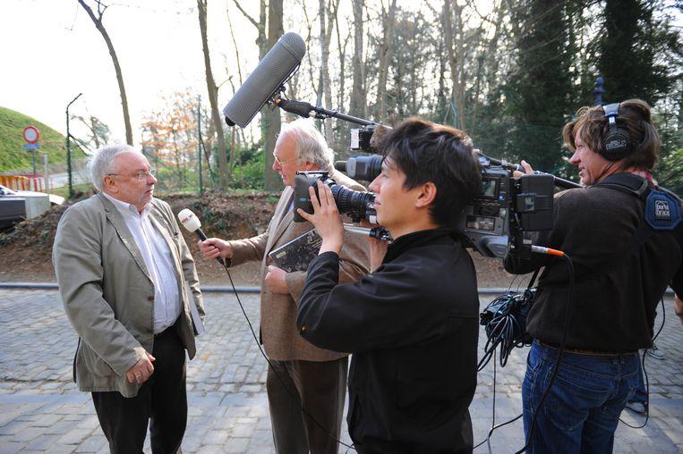 Mart Smeets intervieuwt Mark Vanlombeek op de Muur van Geraardsbergen.