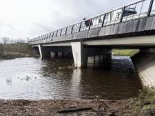 Fietspad onder N18 langs Schipbeek loopt onder water