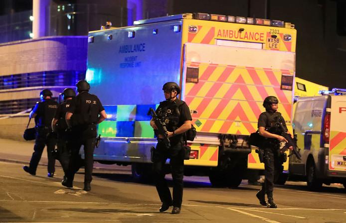 Politie bij de Manchester Arena vlak na de aanslag op 22 mei.