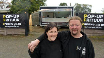 Inge en Jan bakken na drie jaar weer frietjes