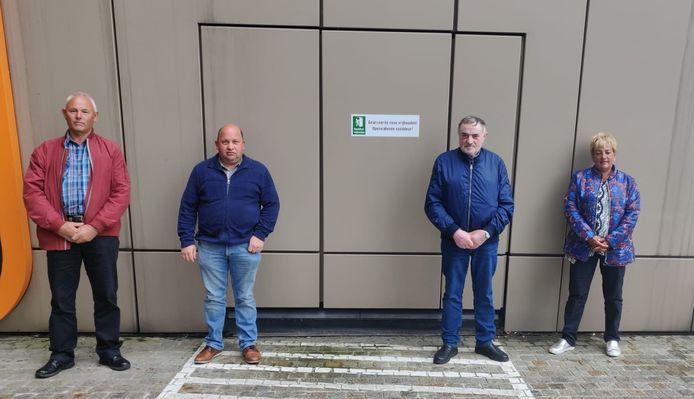De nabestaanden van Lena, met tweede van rechts Gerard Vandersanden.