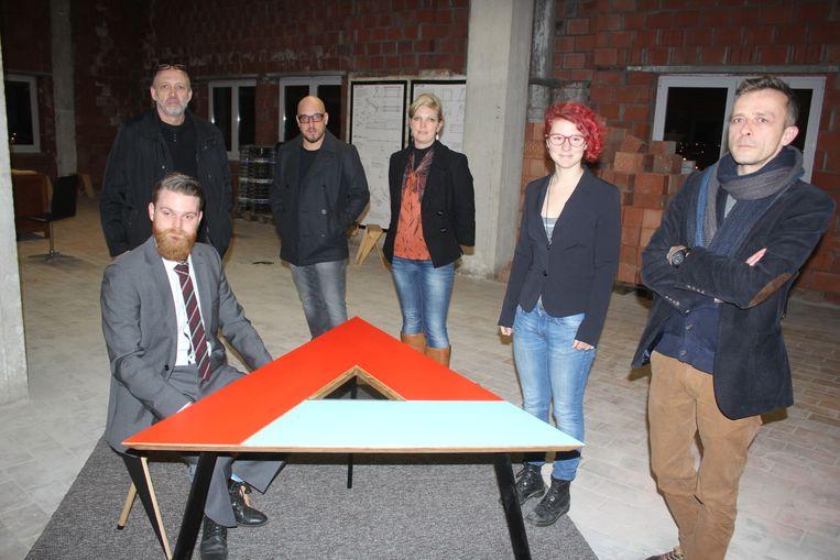 Kunstcollectief De Gistfabriek met Xander, Johan, Geert, Hilde, Sarah en Philip.