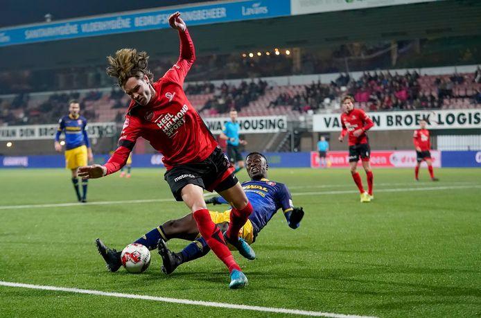 Beeld uit de wedstrijd van Helmond Sport tegen FC Dordrecht eerder dit seizoen.
