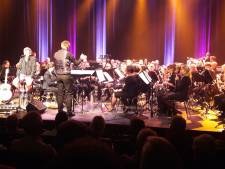 Na optreden met Crescendo-KNA kan Gé Reinders bijna 'oetblaoze'