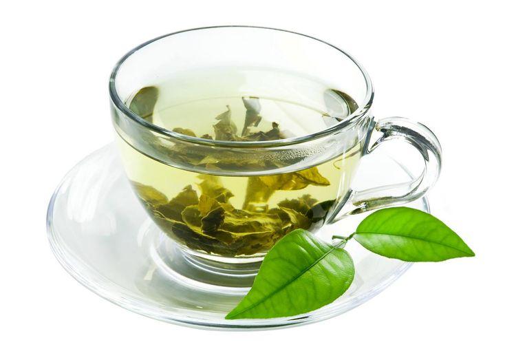 'Groene thee bevat meer looizuur dan zwarte thee en is daarom eigenlijk slechter voor je tanden' Beeld -