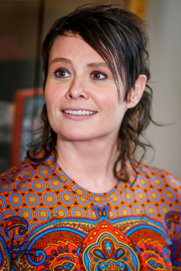 Schrijver van het boekenweekgeschenk Griet Op de Beeck is te gast bij Pieter van der Wielen. Beeld anp