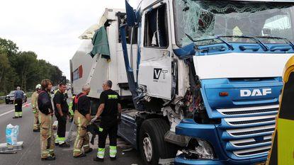 Grote hinder op E313 na ongeval met trucks