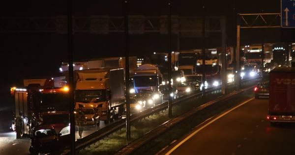 Meerdere gewonden bij ongeval op A35; weg richting Almelo weer vrijgegeven.
