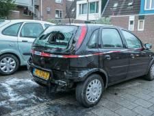 Autobrand in Arnhem snel geblust dankzij alerte bewoner