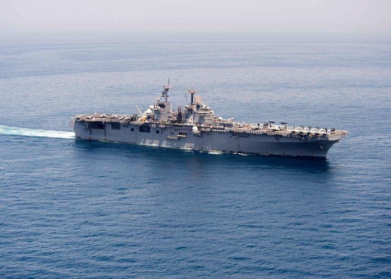 De USS Boxer. Dit marineschip haalde volgens de VS een Iraanse drone neer. Beeld EPA
