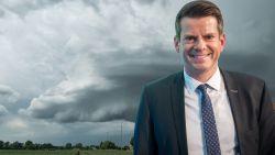 Het gaat eindelijk regenen. Hoeveel is er voorspeld? Waar? En wat is de kans op onweer?