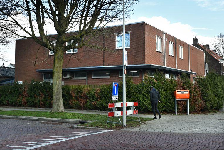De Al Fath-moskee aan de Van Oldebarneveldtstraat in Arnhem. Beeld Marcel van den Bergh