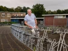 Mathijs (77) woonde jarenlang boven het zwembad: 'Hier voel je je nooit alleen'