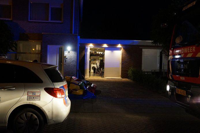 Fles ethanol ontploft op de Maashoven in Nieuwkuijk, bewoner gewond.