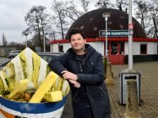 Mark van Wonderen zoekt plekken op die mooi zijn van lelijkheid: 'Paddestoel in Nijkerkerveen is het mooist'